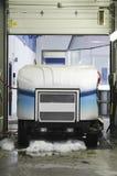 Zamboni i garage Royaltyfri Bild