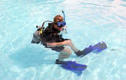 Zambullidor de equipo de submarinismo Foto de archivo libre de regalías