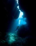 Zambullidor de equipo de submarinismo Fotos de archivo libres de regalías