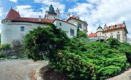 Zameksommaren för slottet Pruhonice eller Pruhonicky beskådar (Prague, tjecken) Royaltyfri Bild