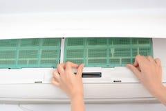 Zamieniać powietrze uwarunkowywać filtry czyścić pył zdjęcia stock