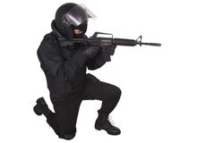 Zamieszka funkcjonariusz policji w czerń mundurze Zdjęcia Royalty Free