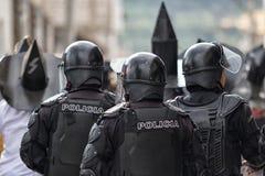Zamieszki policja przy Inti Raymi w Cotacachi Zdjęcia Stock