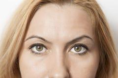 zamknąć oczy piękna twarz kobiety fotografia stock
