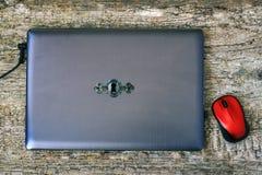 Zamknięty laptope z keyhole na deklu Osobisty dane bezpieczeństwa pojęcie obrazy royalty free