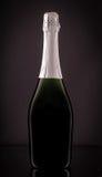 Zamknięta butelka iskrzasty szampan Obrazy Royalty Free