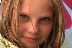 zamkniętej dziewczyny ładny portret w górę potomstw Obrazy Royalty Free