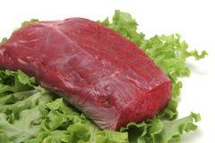 zamknięty świeżego mięsa talerz w górę biel Zdjęcia Royalty Free