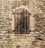 Zamknięty okno wierza forteczna ściana Zdjęcie Royalty Free