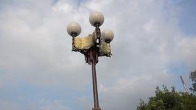 zamknięty piękny nowożytny latarniowy nieba tło 4k zbiory