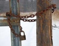 Zamknięta brama w zimie Obrazy Royalty Free