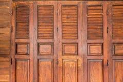 Zamknięty brown starego stylu drewniany drzwi Fotografia Stock