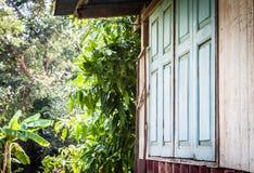 Zamknięty okno stary henhouse Zdjęcie Royalty Free