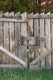 Zamknięta Drewniana brama Zdjęcia Royalty Free
