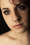 Zamknięta portret młoda dziewczyna z nosa pierścionkiem Zdjęcie Stock