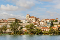 Zamora sur les banques de la rivière de Duero Images libres de droits