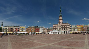 zamosc городка рынка залы ведущее стоковое изображение