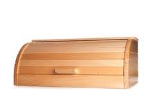 Zampa del ` s del gatto dello zenzero che attacca da un contenitore di legno di pane isolato sopra immagini stock libere da diritti