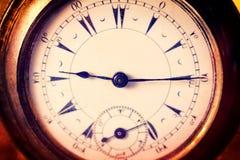 Zamyka do starego zegarka obrazy stock
