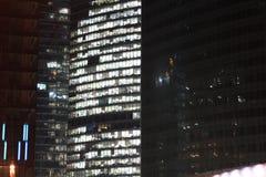 Zamyka drapacz chmur nowożytny drapacz chmur Fotografia Royalty Free