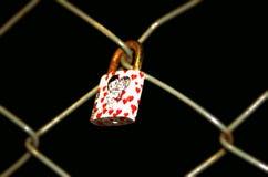 Zamyka na miłości kłódce zdjęcie royalty free