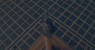 Zamyka up Aleksander kolumna, budujący między 1830 i 1834 na pałac kwadracie w St Petersburg, Rosja zdjęcie wideo