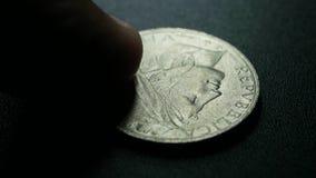 Zamyka up bardzo stare monety zdjęcie wideo
