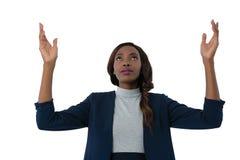 Zamyka up bizneswoman przyglądający up podczas gdy gestykulujący zdjęcie royalty free