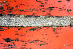 Zamyka up czerwona rocznik ławka Fotografia Stock