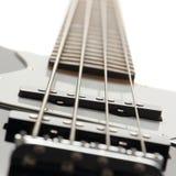 Zamyka up elektryczna basowa gitara Zdjęcia Royalty Free