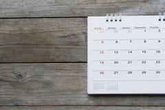 Zamyka up kalendarz na stole Zdjęcia Stock