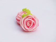 Zamyka up kolorowy cukierek z różą kształtującą ` A-lua lub uroka ` Tajlandzki handmade cukierek Obrazy Stock