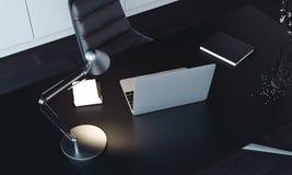 Zamyka up laptop, lampa i notepad na stole, 3d rendering fotografia stock