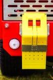 Zamyka up na kolor żółty szpilki klinie obrazy stock