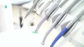 Zamyka up nowożytni stomatologiczni narzędzia, wiele instrumenty zbiory