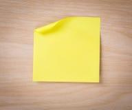 Zamyka up nutowy papier na drewnianym Fotografia Royalty Free