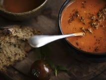 Zamyka up pomidorowy zupny karmowy fotografia przepisu pomysł fotografia royalty free