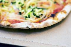 Zamyka up smakowita pizza obraz stock