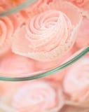 Zamyka up słodki custard deser na porci tacy Zdjęcie Stock