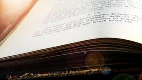 Zamyka up stara książka zbiory wideo
