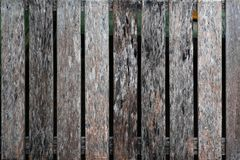 Zamyka up stary brown drewniany lath z naturalnym pasiastym tłem obraz royalty free