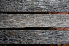 Zamyka up stary brown drewniany lath z naturalnym pasiastym tłem zdjęcie stock
