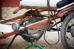 Zamyka up stary koński handcart obraz royalty free