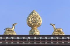 Zamyka up statuy przy wierzchołkiem Songzanlin świątynia, Ganden Sumtseling monaster, Tybetański Buddyjski monaster w Zhongdia Zdjęcie Stock
