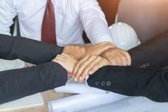 Zamyka Up wpólnie, pierścionek ręki pracy zespołowe, ludzie biznesu ręk Obraz Royalty Free