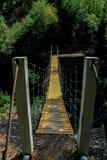 Zamyka w górę zwyczajnego zawieszenie mostu na pokazie zdjęcia stock