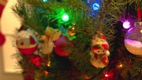Zamyka w górę dekorującej choinki lub nowego roku zdjęcie wideo