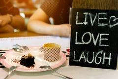 Zamyka w górę etykietki ` miłości śmiechu ŻYWY ` Fotografia Royalty Free