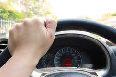 Zamyka w górę kierowcy ` s ręk Zdjęcia Royalty Free