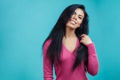 Zamyka w górę portreta atrakcyjny model z beautyful fryzurą Zdjęcie Royalty Free